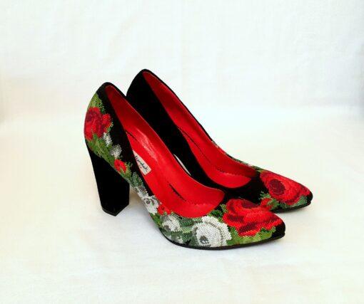 """Туфлі """"Розкішні троянди"""" А1"""